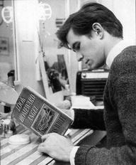 Tony perkins reading