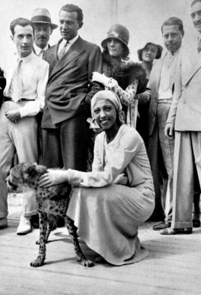 Josephine Baker and a Cheetah named Chiquita This entry was posted by Tom Sutpen for the series: Artists and Animals