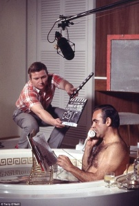 sean-connery-reading-on-the-set-of-diamonds-are-forever-1971