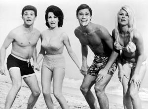 -1960s-Beach-Party-891B1G0A-x-large
