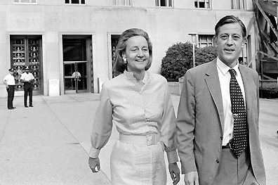 Katherine Graham and Ben Bradlee leaving the courthouse after prevailing in  the Pentagon Papers case.
