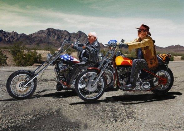 """""""Easy Rider"""": Walter Loeser (l.), 98, & Kurt Neuhaus, 90"""