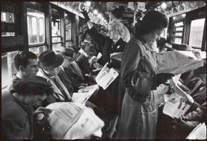 kubrick-subway-newspapers