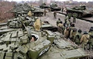 Russian troops massing near Ukraine border