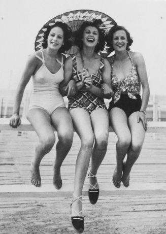 Casino Girls - 1938 - The beach in Deauville, France - Photo by the Seeberger Brothers
