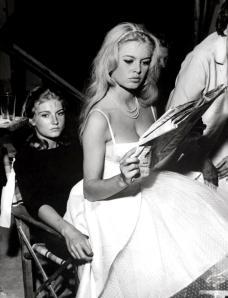 Brigitte Bardot reads
