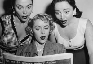 surprised-women-reading-n-0011-400x276