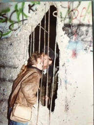 Sneaking a Kiss through the Berlin wall