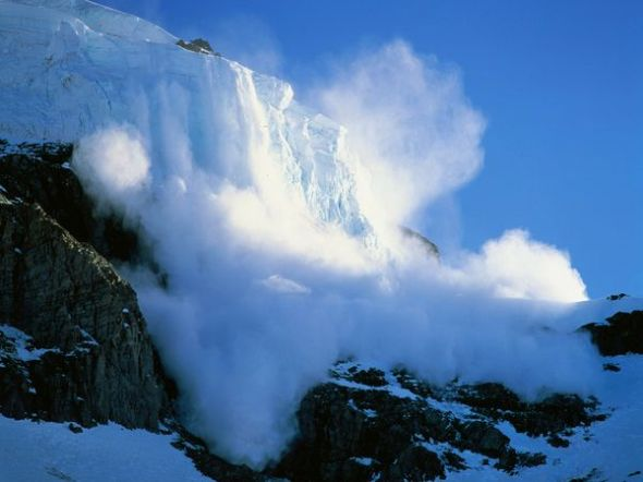 Mt. Rainier avalanche