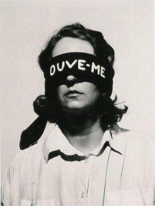 (listen to me)  helena almeida, 1979