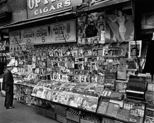 newsstand-32ndstreet-and-third-avenue-new-york-1935