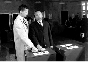 julian-bond-martin-luther-king-vote