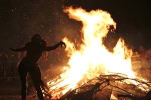 Christmas-Celebration-Festival-of-the-Bonfires-Louisiana
