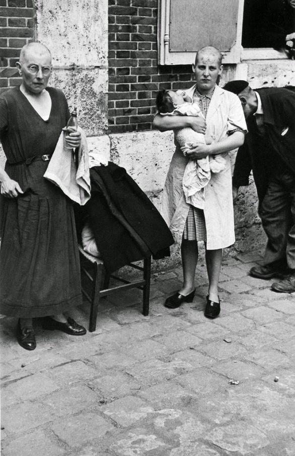 Robert Capa - France during the Second World War (10)