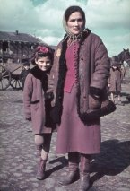 Unidentified woman and child, Kutno, Nazi-occupied Poland, 1939 2