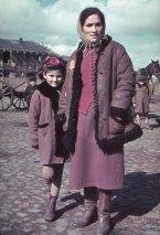Unidentified woman and child, Kutno, Nazi-occupied Poland, 1939 2