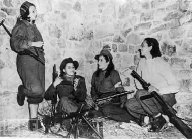 Women in World War II (2)