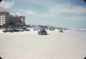 Beaches in the U.S in the 1950s-60s (16)