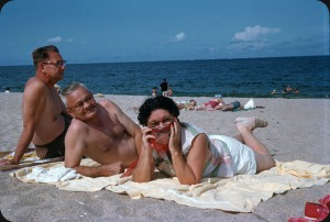 Beaches in the U.S in the 1950s-60s (18)
