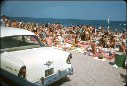 Beaches in the U.S in the 1950s-60s (2)