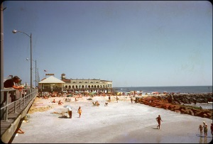 Beaches in the U.S in the 1950s-60s (30)
