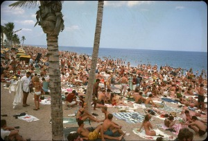 Beaches in the U.S in the 1950s-60s (4)