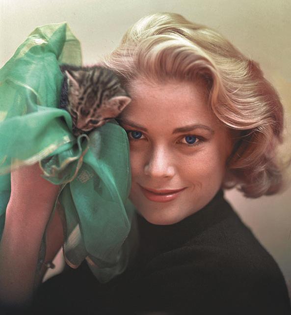 Grace Kelly with kitten
