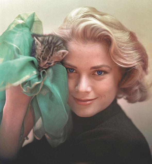 Grace Kelly with kitten