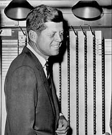 John_F._Kennedy_voting_1960