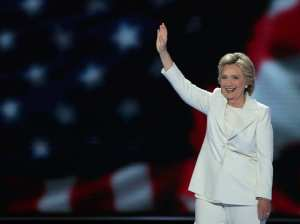 hillary-clinton-white-suit.w750.h560.2x