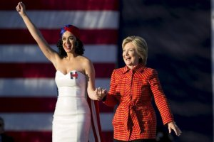 Hillary with Katy Perry in Iowa