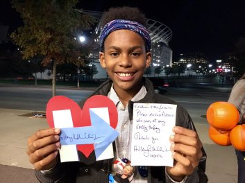 Hillary writes excuse for boy who missed school to go to her rally in Cincinnati.