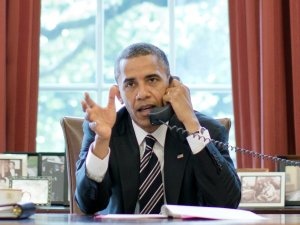 obama-on-the-phone