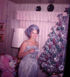 middle-aged-women-posing-next-to-christmas-trees-from-the-1950s-60s-8