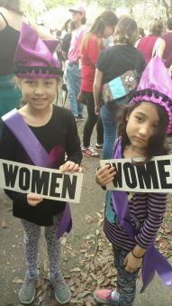 girls-at-nola-womens-march
