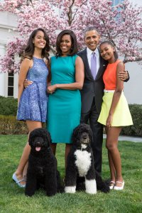 obama-family-portrait