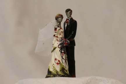 zombie-wedding-cake-topper-6-7674