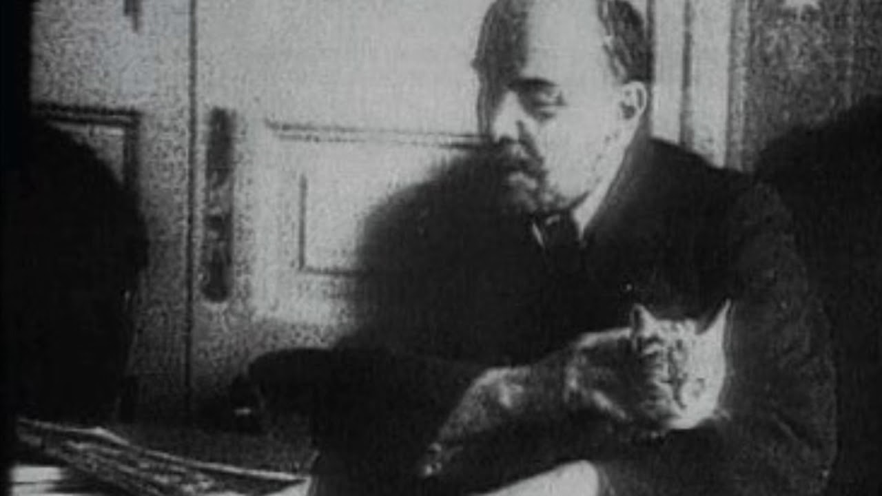 Vladimir Lenin with cat